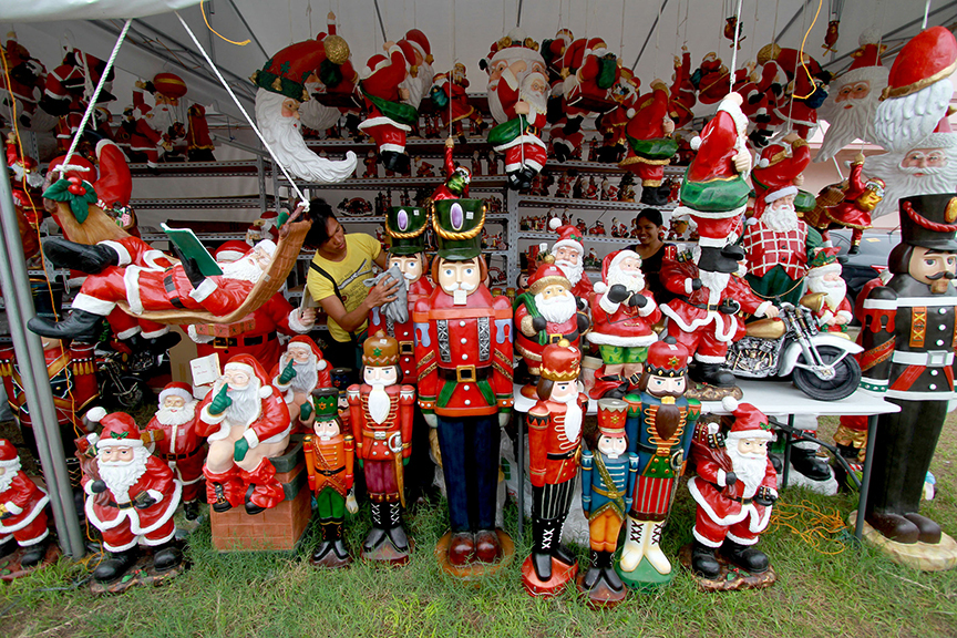 Assorted Christmas decors from Dapitan City on display in Bajada, Davao City. NewsLine Photo