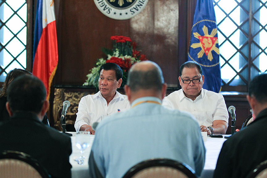 President Rodrigo Roa Duterte meets with officials of the Department of Health, Philippine Health Insurance Corporation and Philippine Charity Sweepstakes Office at the President's Hall in Malacañan Palace on March 1, 2017. TOTO LOZANO/Presidential Photo